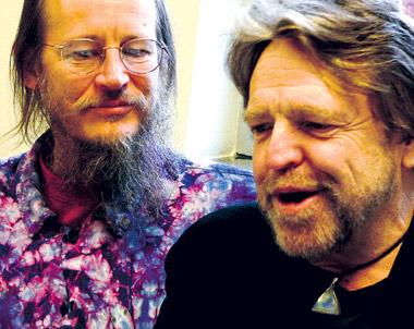 John Gilmore (till vänster) och John Perry Barlow på Chaos Communication Congress i Berlin 2006. Foto: Oscar Swartz.