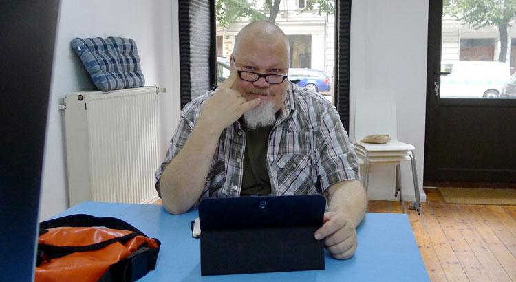 Henrik Alexandersson (HAX) under en inspelning av 5 juli-podden, september 2016